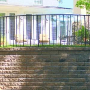 Retaining-Wall-Railing